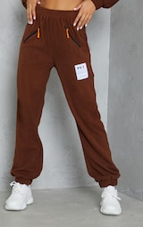 PRETTYLITTLETHING Chocolate Brown Badge Detail Fleece Joggers 2