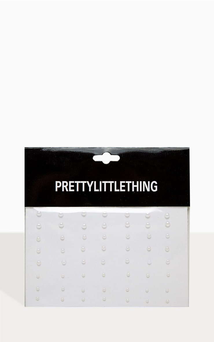 PRETTYLITTLETHING Face Pearls 3