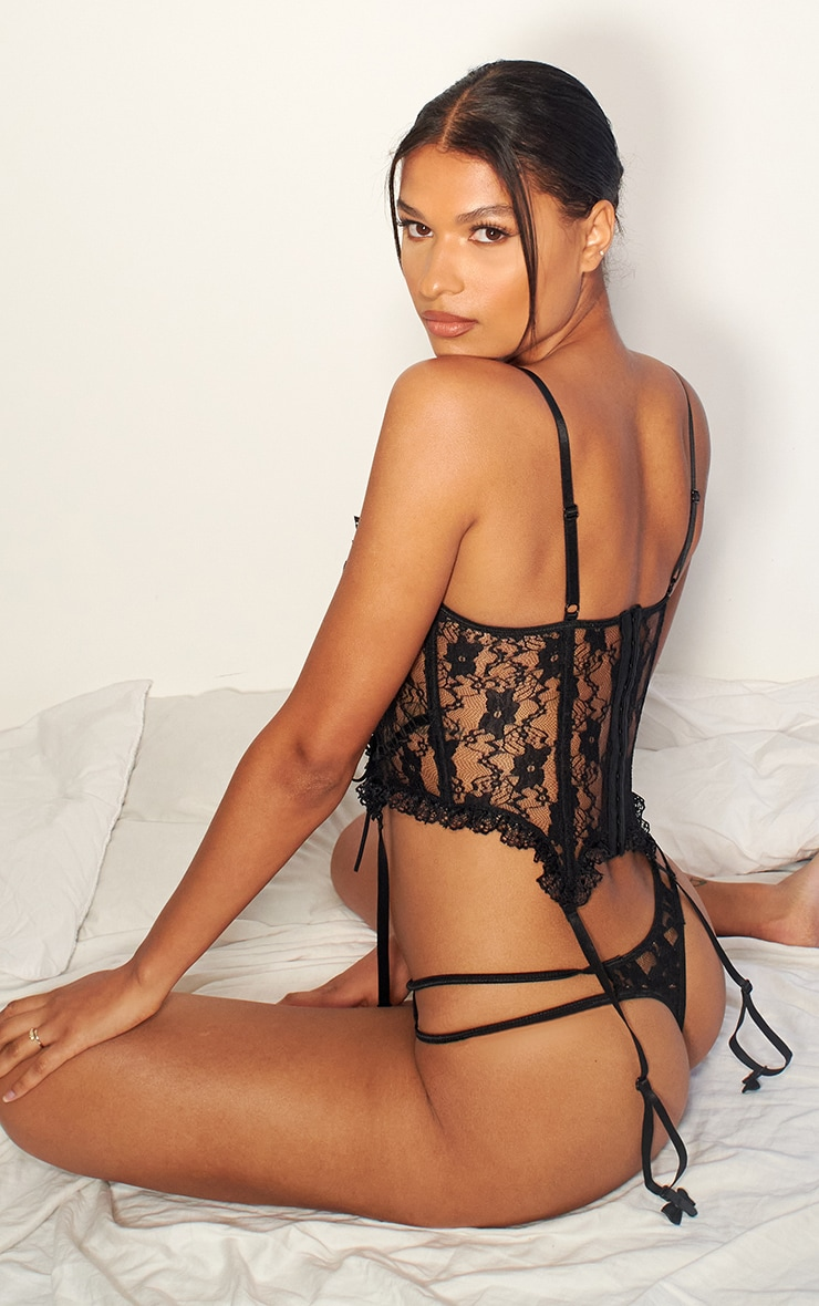 Black Frill Edge Lace Up Corset And Thong Lingerie Set 2