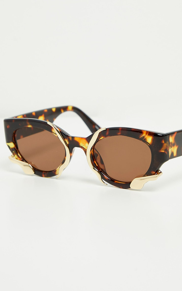 Brown Tortoise Gold Trim Sunglasses 2
