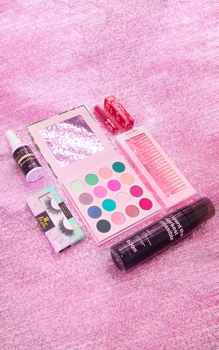 PRETTYLITTLETHING Party Fever Beauty Box (Worth £57.00) 3