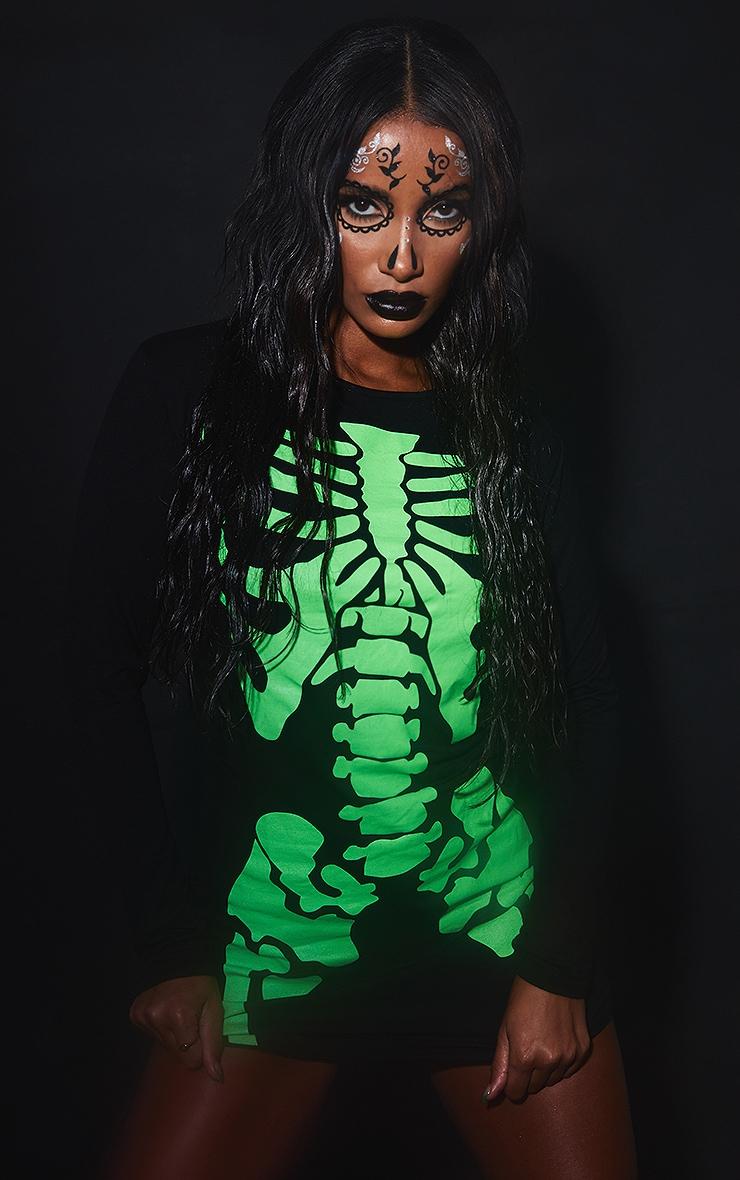 Robe moulante noire à manches longues avec motif squelette fluo 5