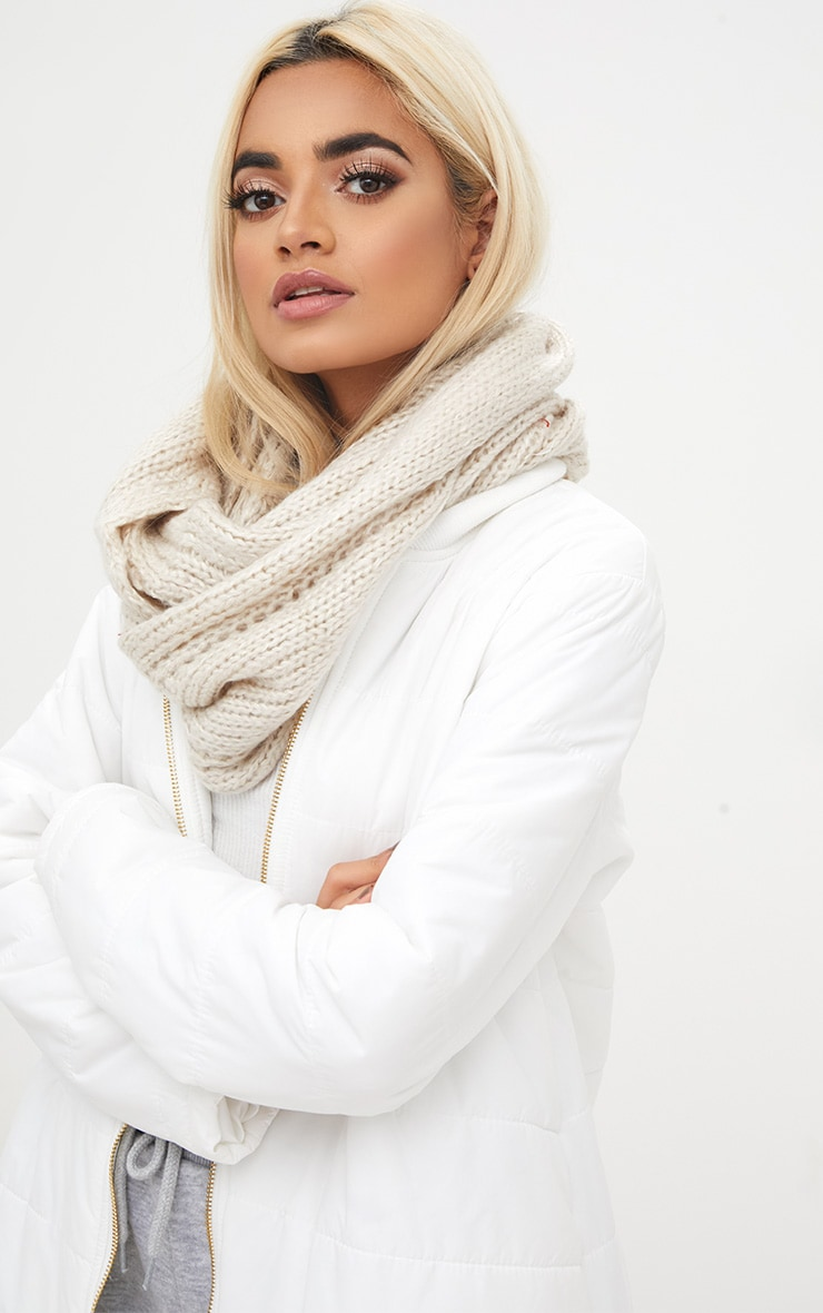 Cream Lurex Chunky Snood 1