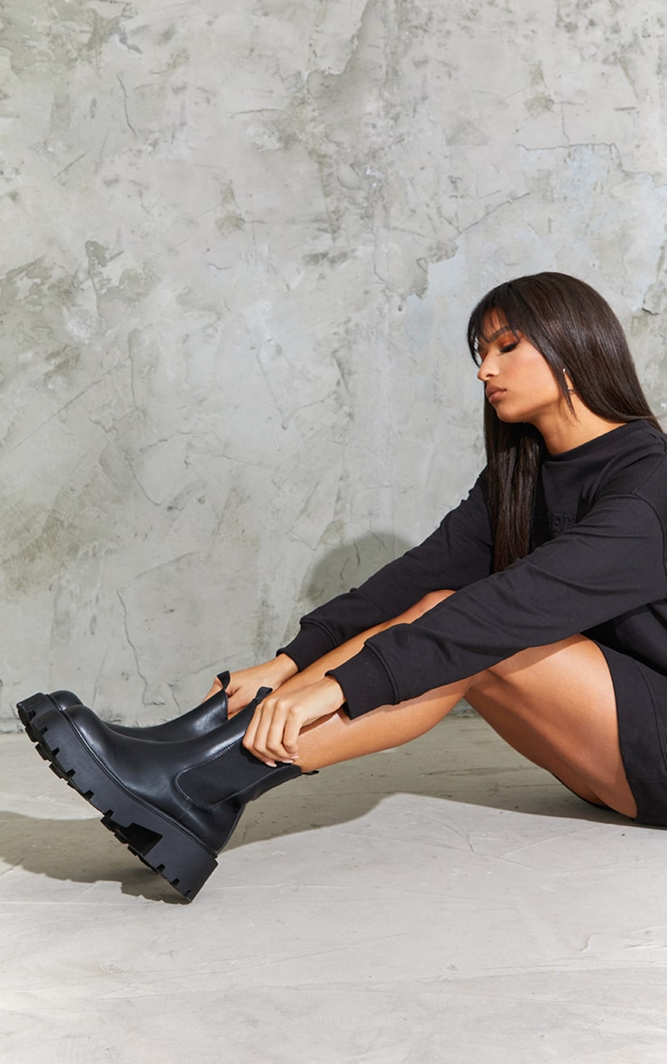 Black Chunky Chelsea Boots 1