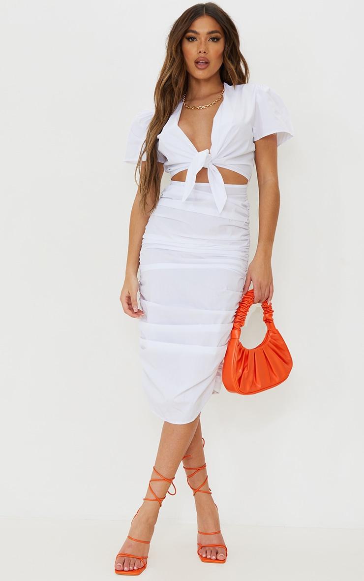 Robe mi-longue manches courtes blanche découpée à jupe froncée et lien frontal 1
