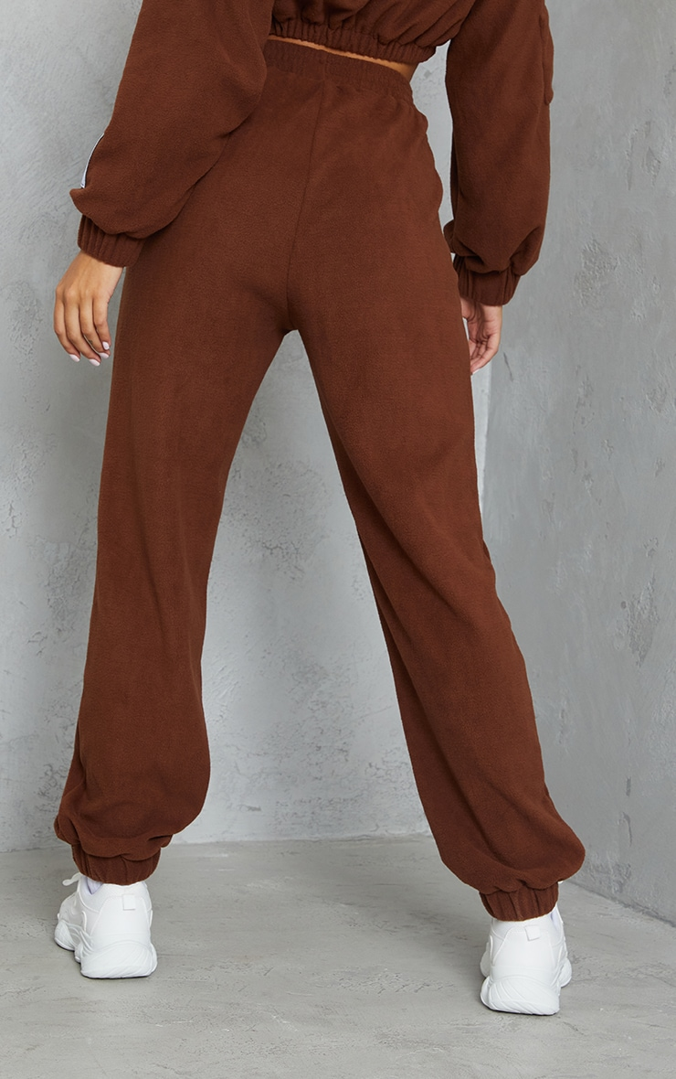 PRETTYLITTLETHING Chocolate Brown Badge Detail Fleece Joggers 3