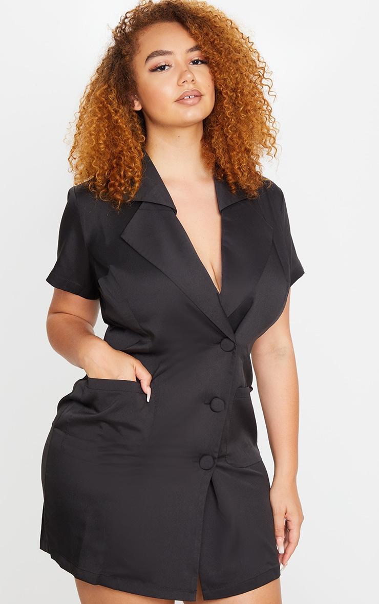 PLT Plus - Robe blazer noire boutonnée à manches courtes  1