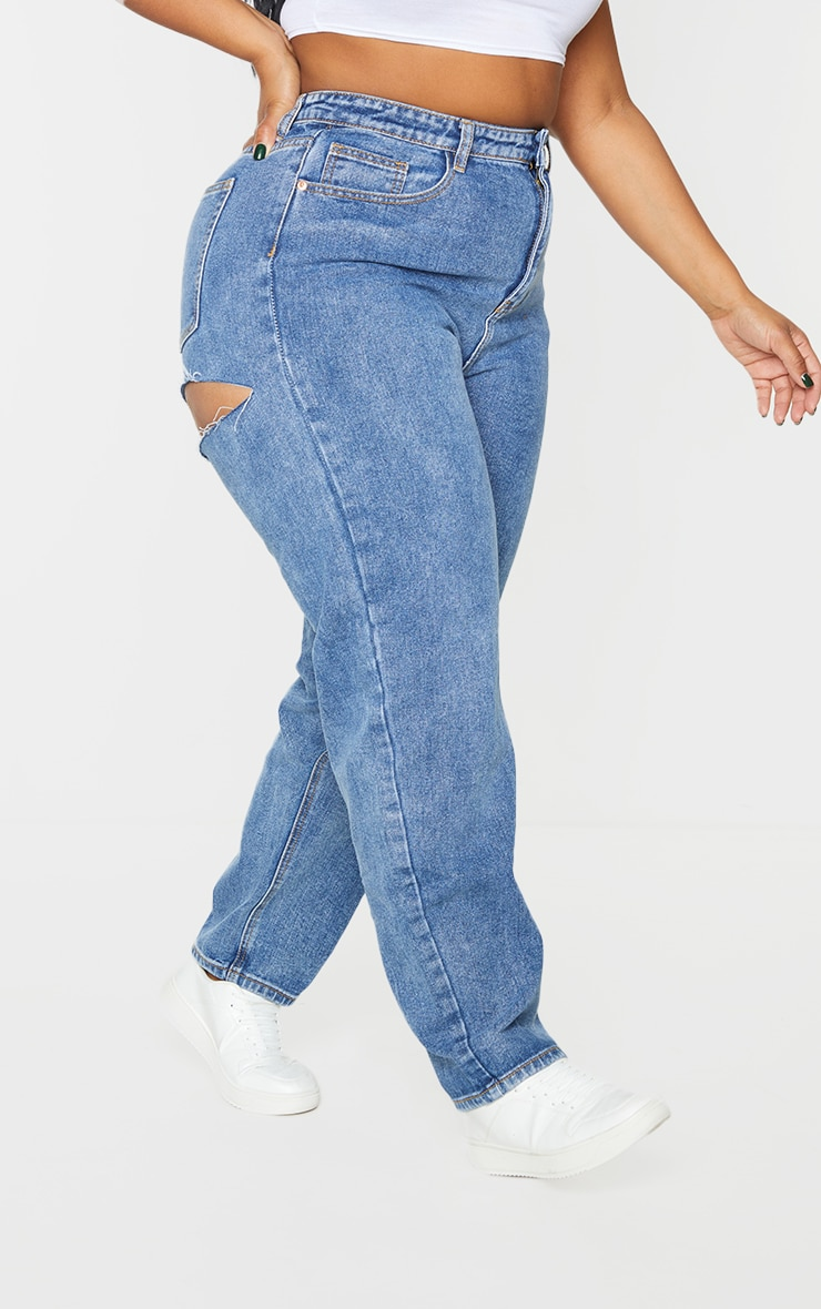 PRETTYLITTLETHING Plus Mid Blue Bum Rip Mom Jeans 2