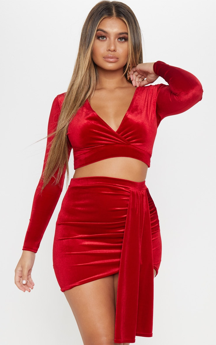 Crop top cache-coeur en velours rouge