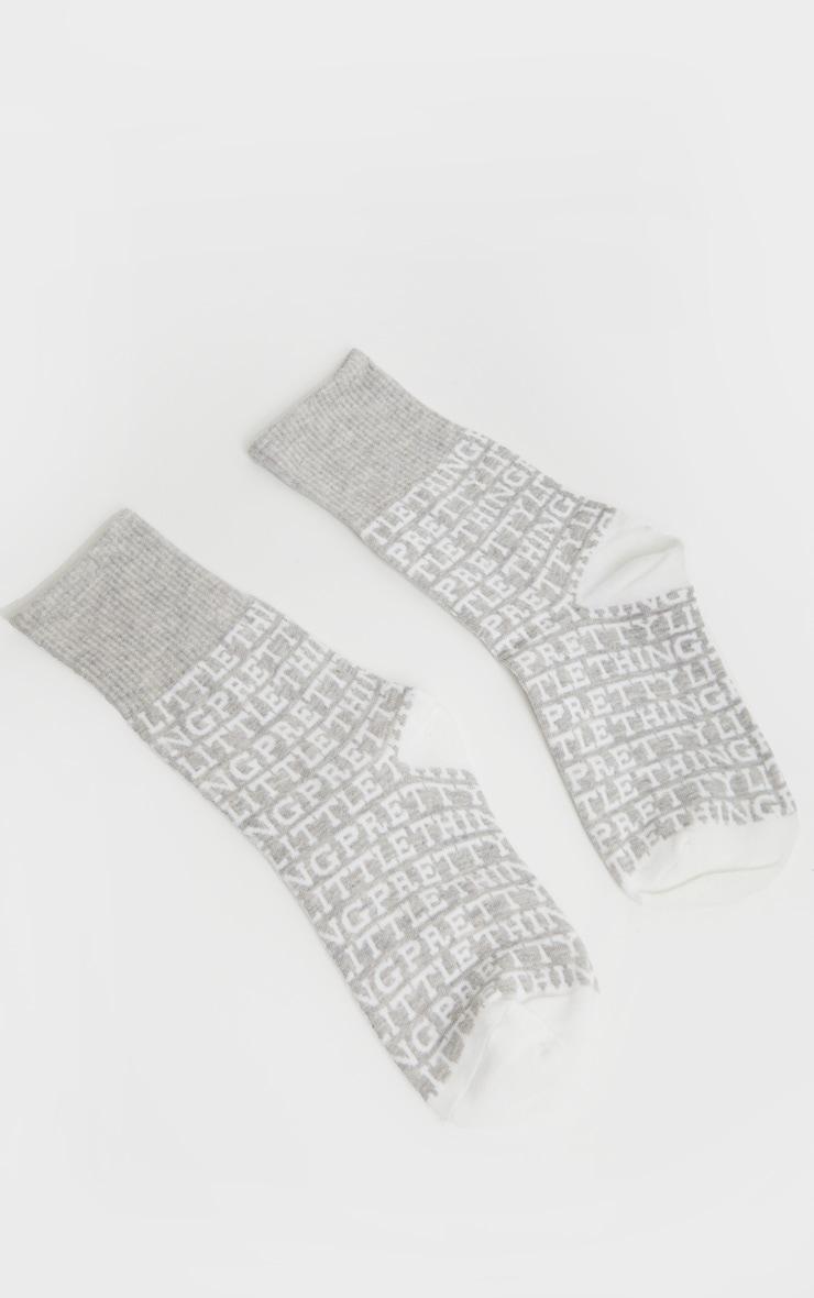PRETTYLITTLETHING - Chaussettes grise à logo 2