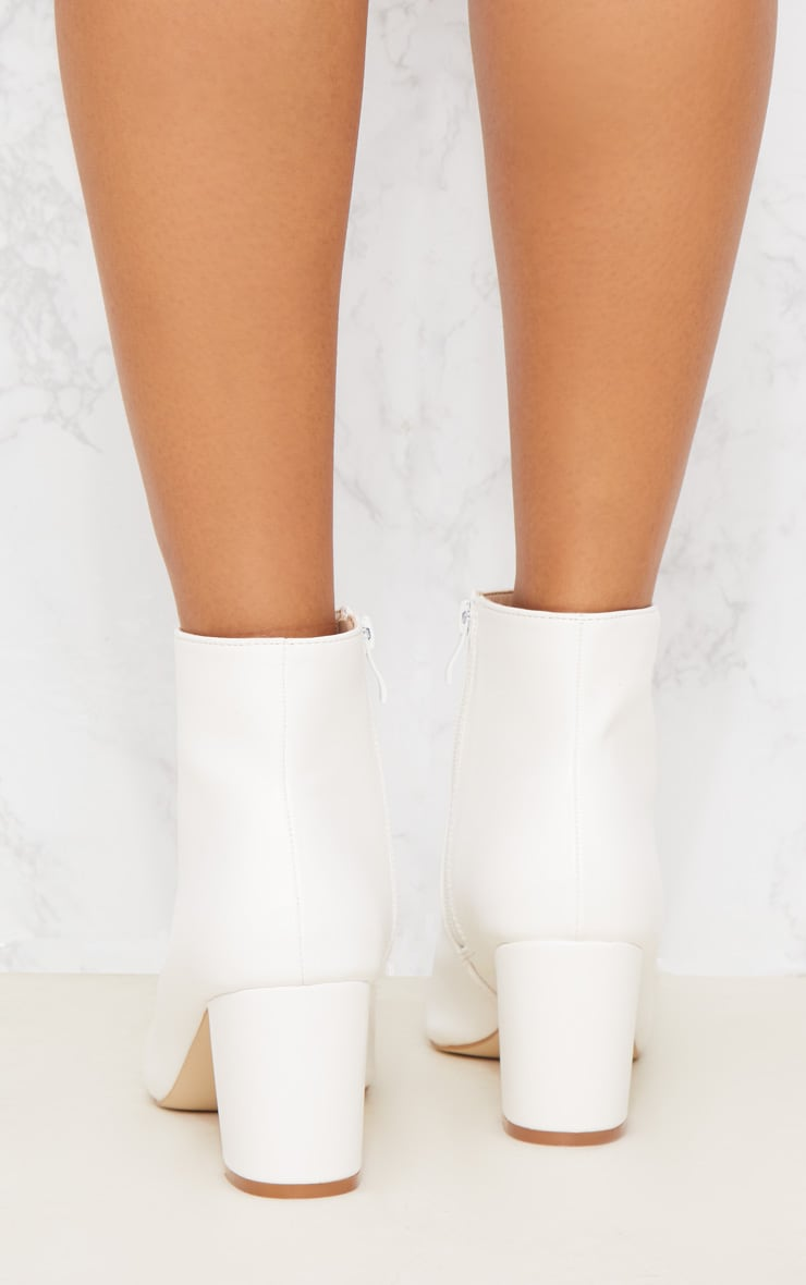 White Point Block Heel Ankle Boot 5