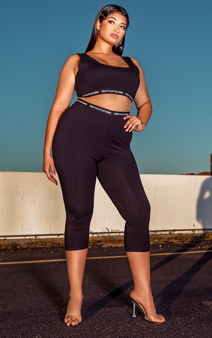 PRETTYLITTLETHING Plus Black Cropped Leggings 1