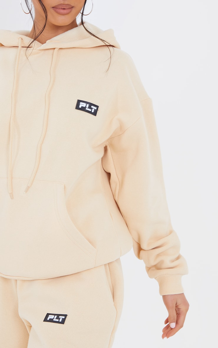 PRETTYLITTLETHING Petite Camel Badge Detail Oversized Hoodie 4