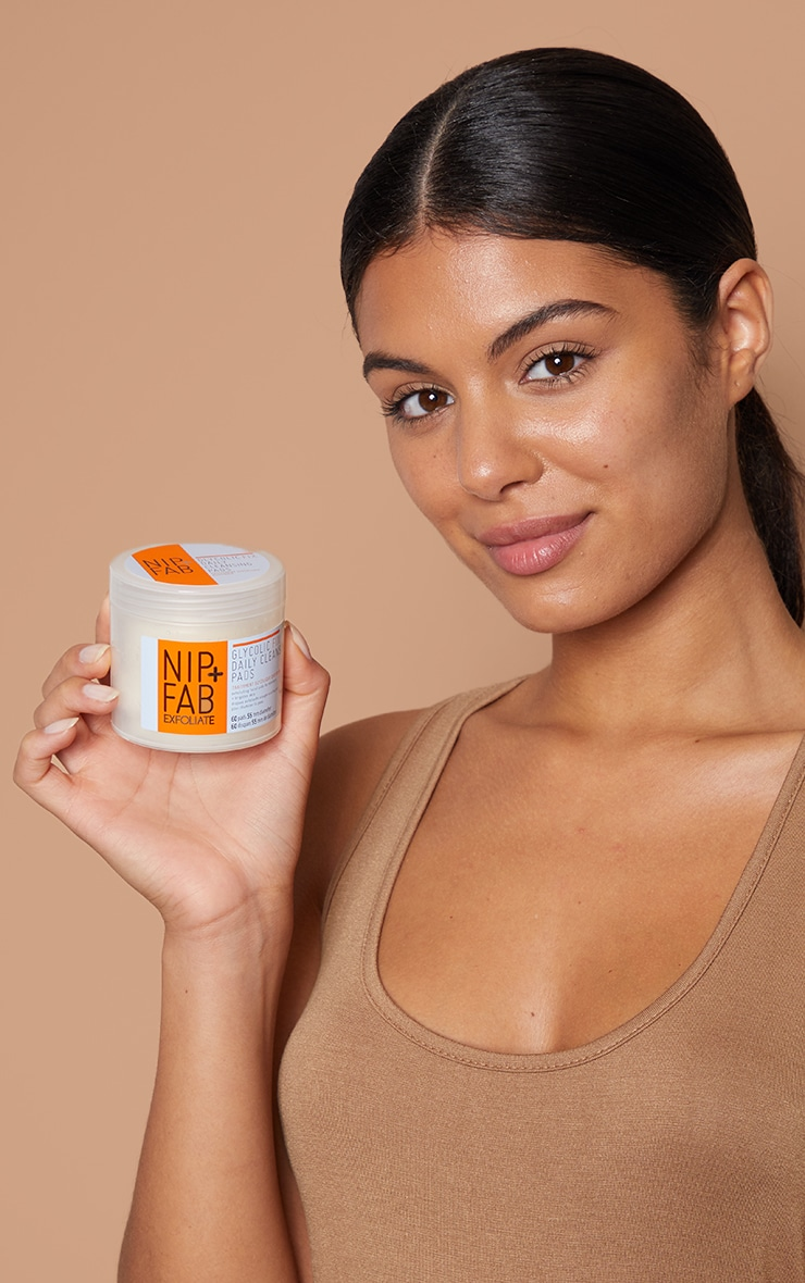 Nip & Fab Glycolic Fix Daily Cleansing Pads 3
