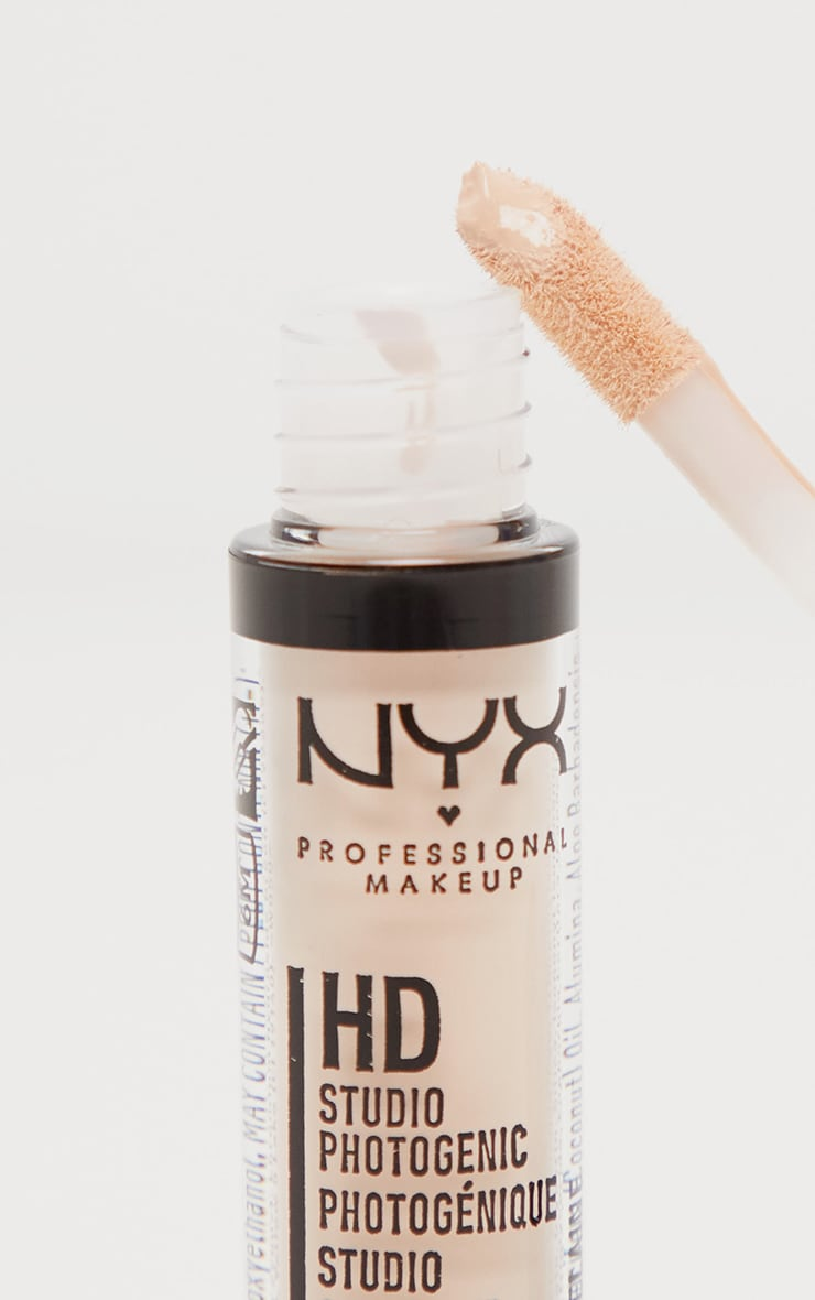 NYX PMU HD Photogenic Concealer Wand Porcelain 2