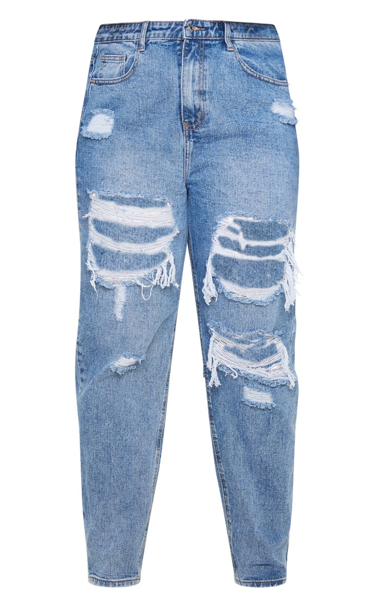 PRETTYLITTLETHING Plus Mid Wash Distressed Mom Jean 3