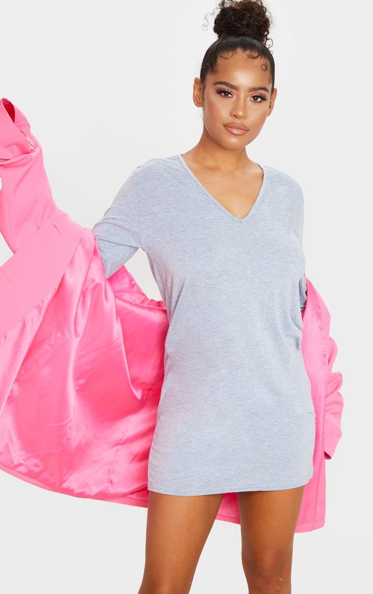 فستان بتصميم تي شيرت بياقة على شكل V وأكمام طويلة، رمادي اللون 3