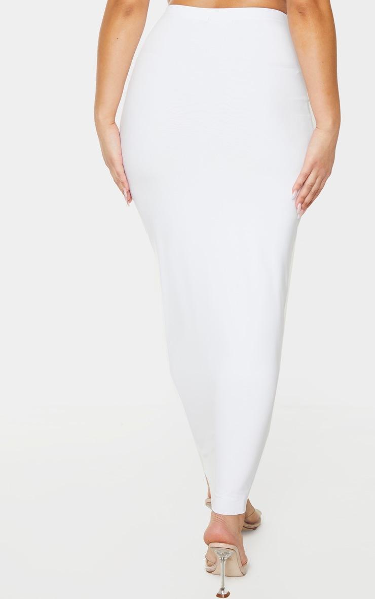 Longue jupe blanche slinky à taille haute 4