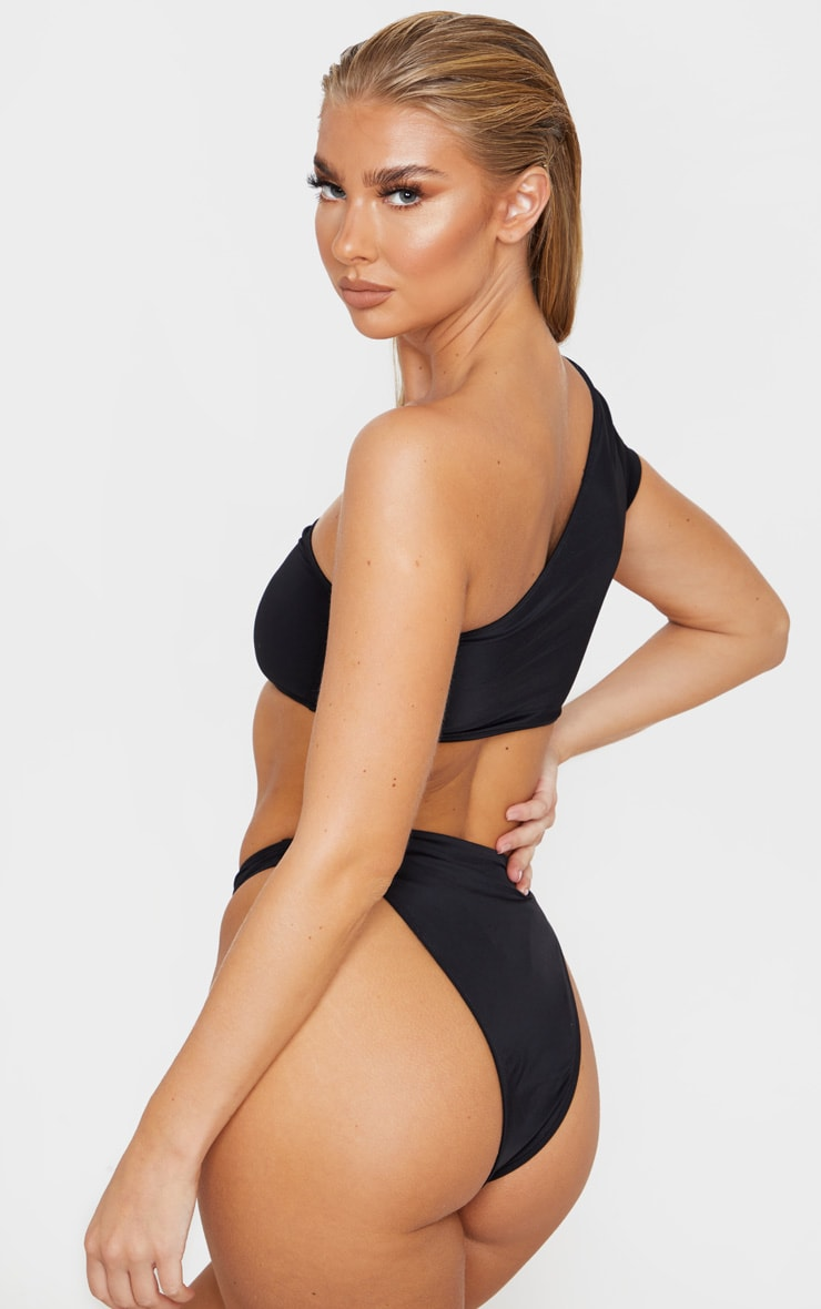 Black One Shoulder Sleeve Bikini Top 2
