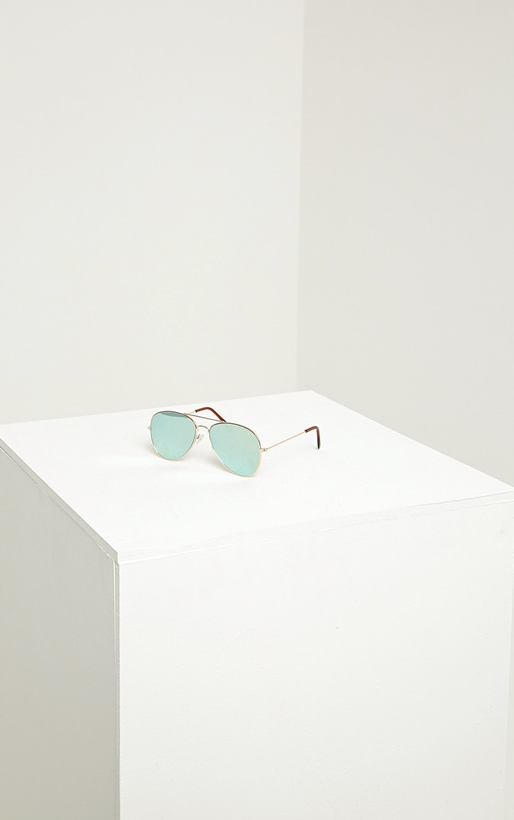 Tresa Green Lense Aviator Sunglasses 3