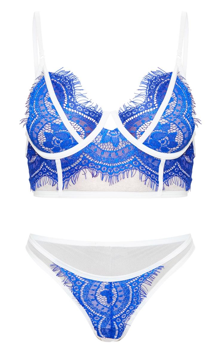 Ensemble de lingerie en dentelle bleu cobalt à liserés contrastants  6
