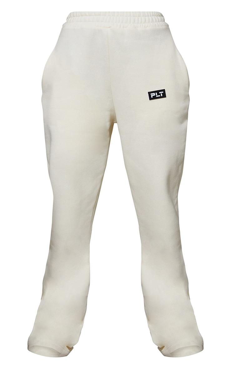 PRETTYLITTLETHING Cream Badge Detail Straight Leg Joggers 5