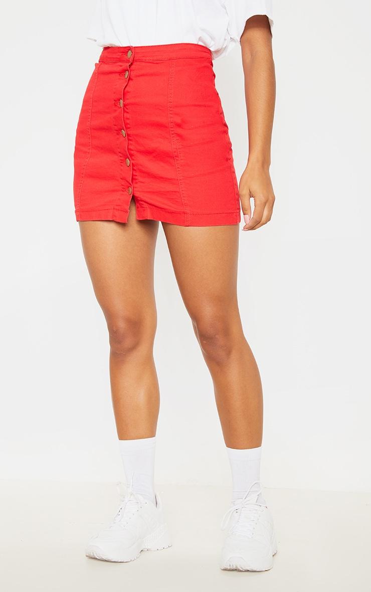 Minijupe en jean rouge boutonnée 2
