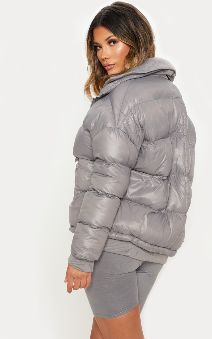 Grey Oversized Puffer Jacket with Zip Pockets 2
