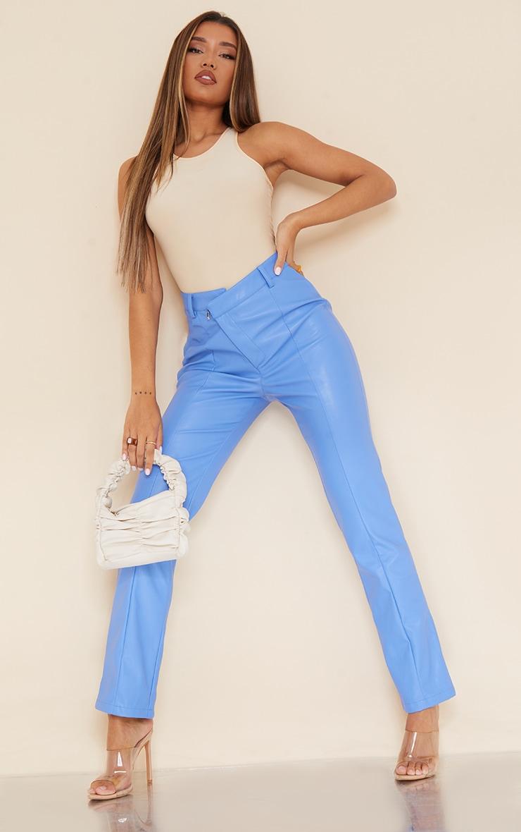 Pantalon droit en similicuir bleuet à taille en V 1