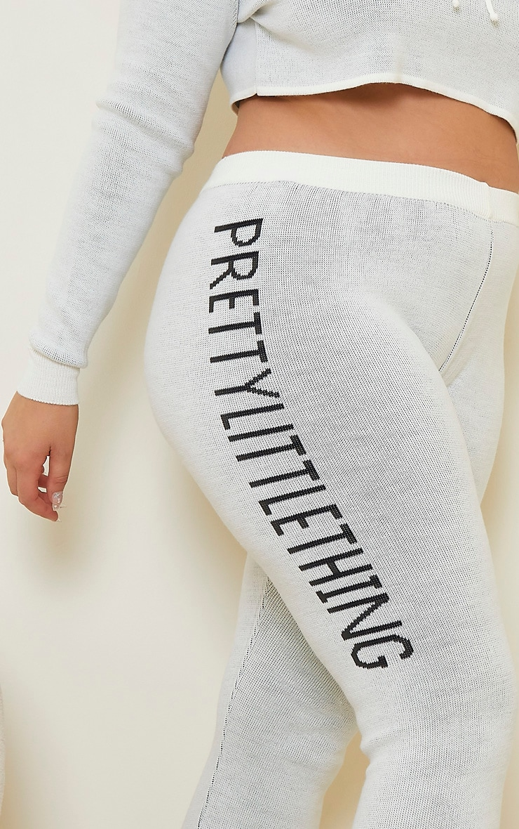 PRETTYLITTLETHING Plus Cream Knitted Joggers 4