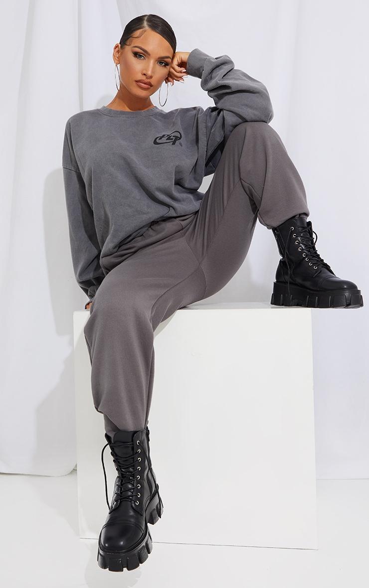 PRETTYLITTLETHING Grey Logo Washed Sweatshirt 3