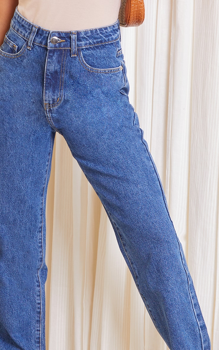 PRETTYLITTLETHING Petite Mid Blue Wash Long Leg Straight Jeans 4