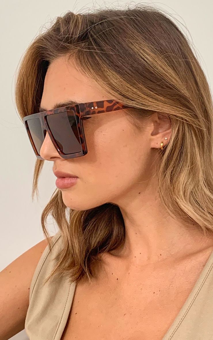 Brown Tortoise Oversized Flat Bar Sunglasses 2