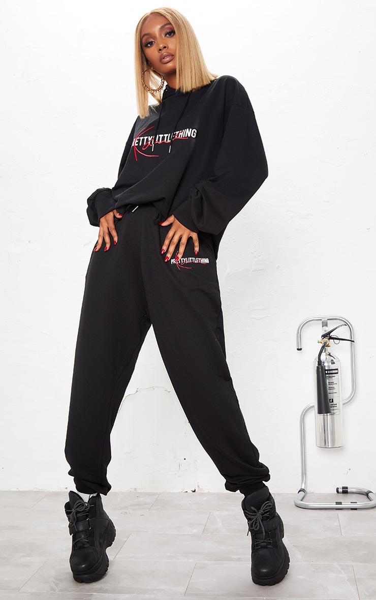KARL KANI Black PRETTYLITTLETHING Joggers 2