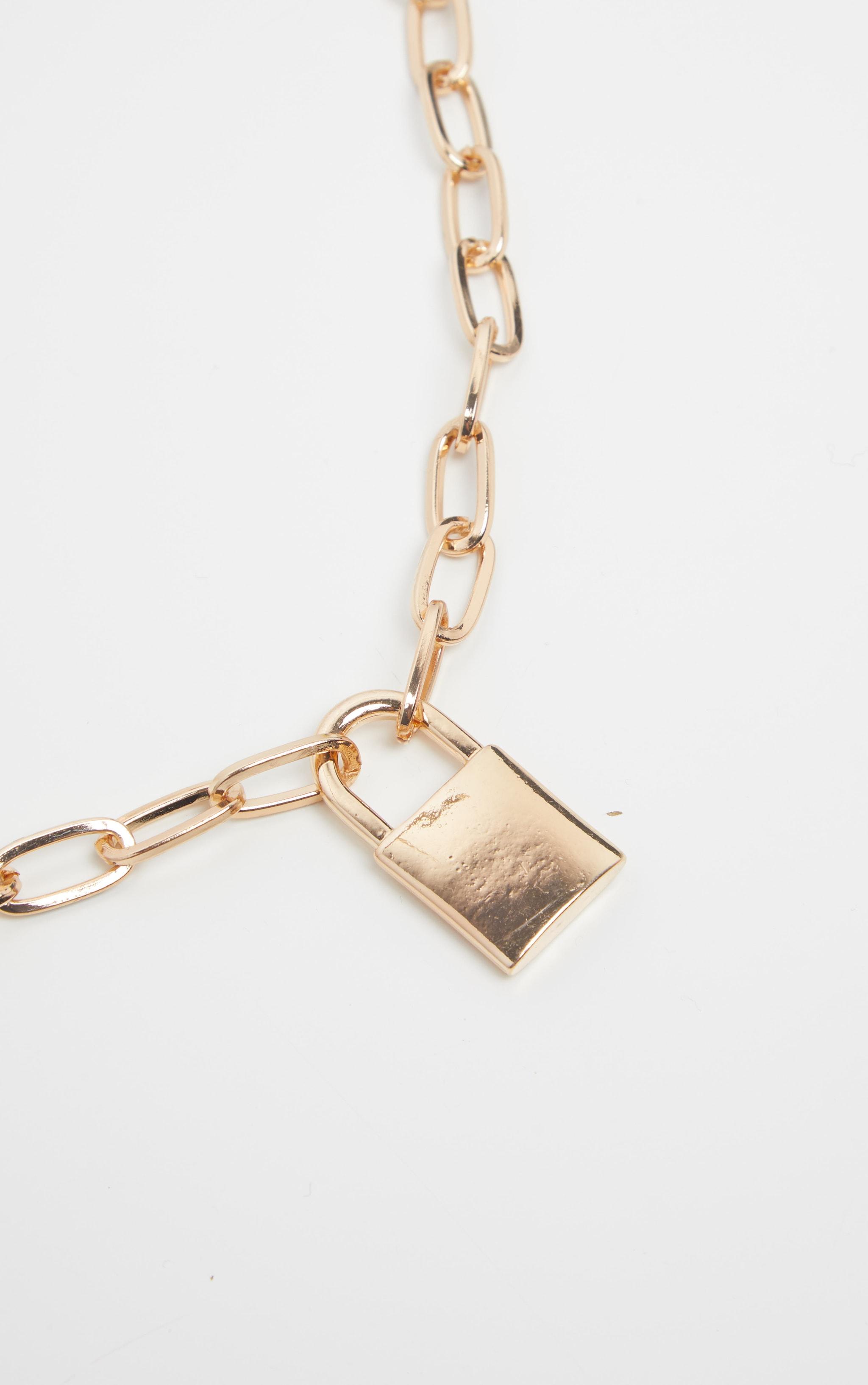 Collier chunky doré à pendentif cadenas 4