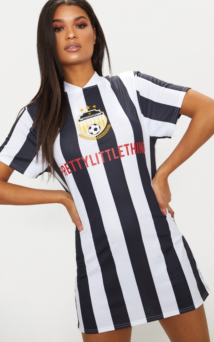 PRETTYLITTLETHING Monochrome Football Style T Shirt Dress 1