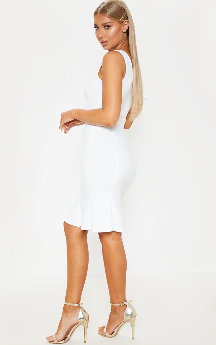 Robe mi longue asym trique pliss e blanche prettylittlething fr - Adresse mail reclamation blanche porte ...