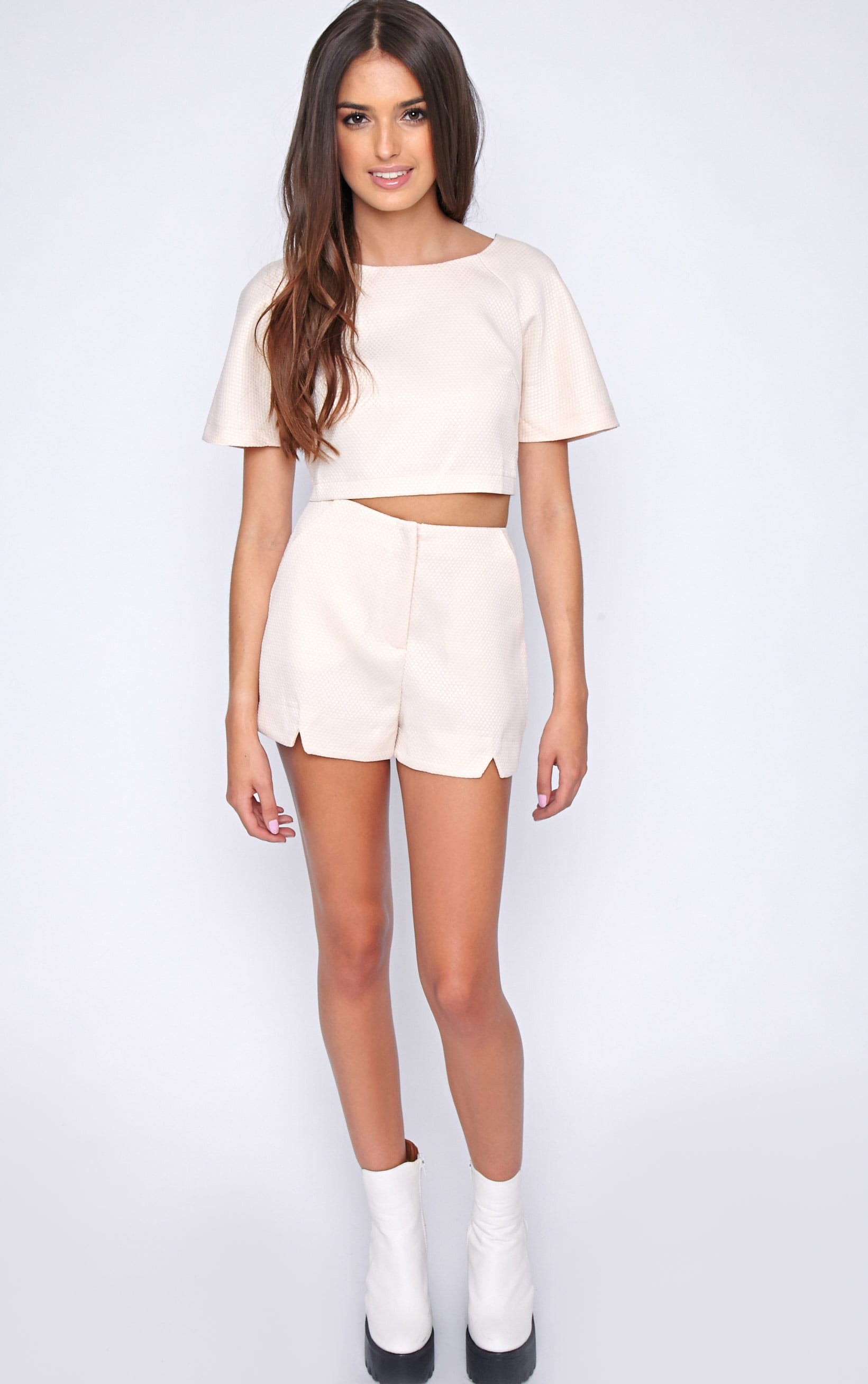 Talia Nude Textured Short -8 3