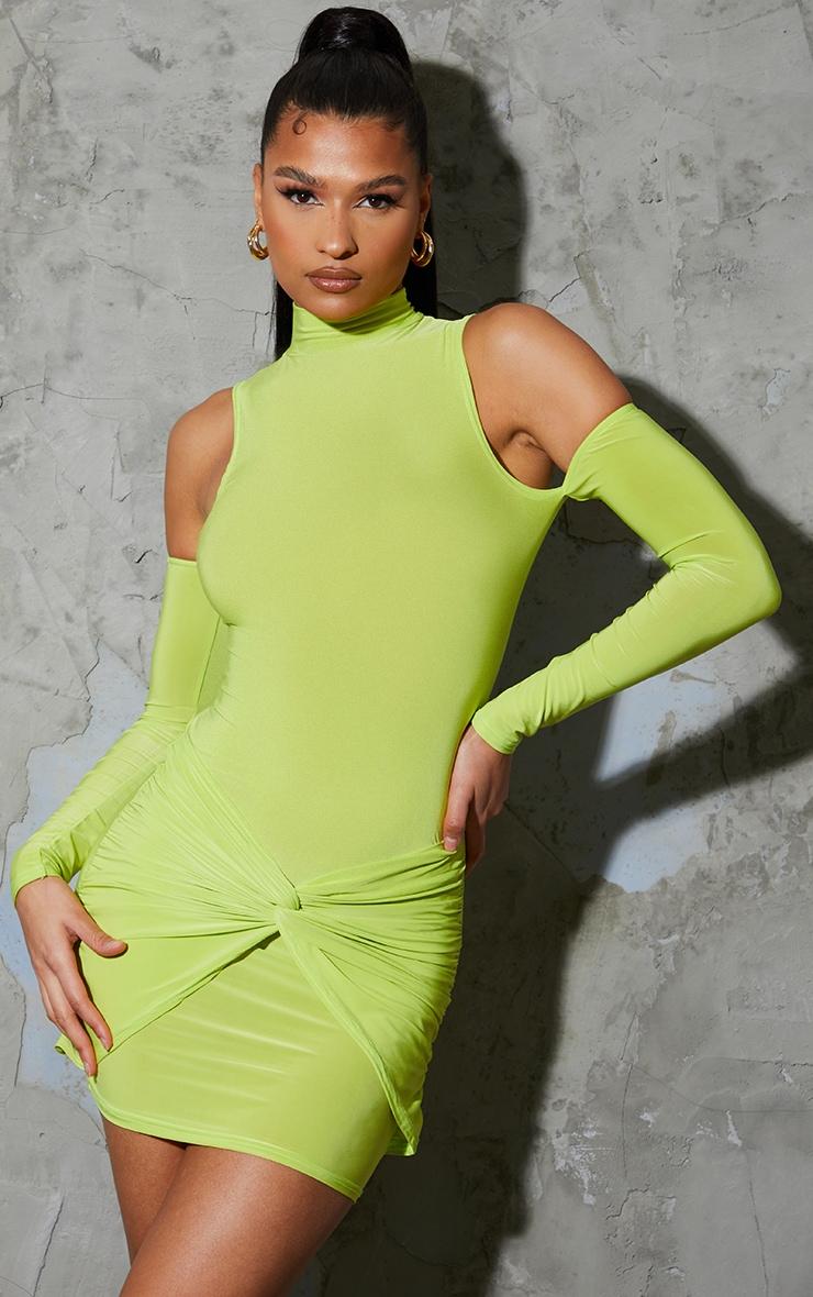 Robe moulante citron vert slinky nouée devant à épaules dénudées