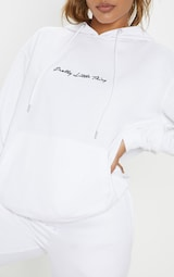 9bf4dad37bcb2 PRETTYLITTLETHING White Embroidered Logo Oversized Hoodie image 5