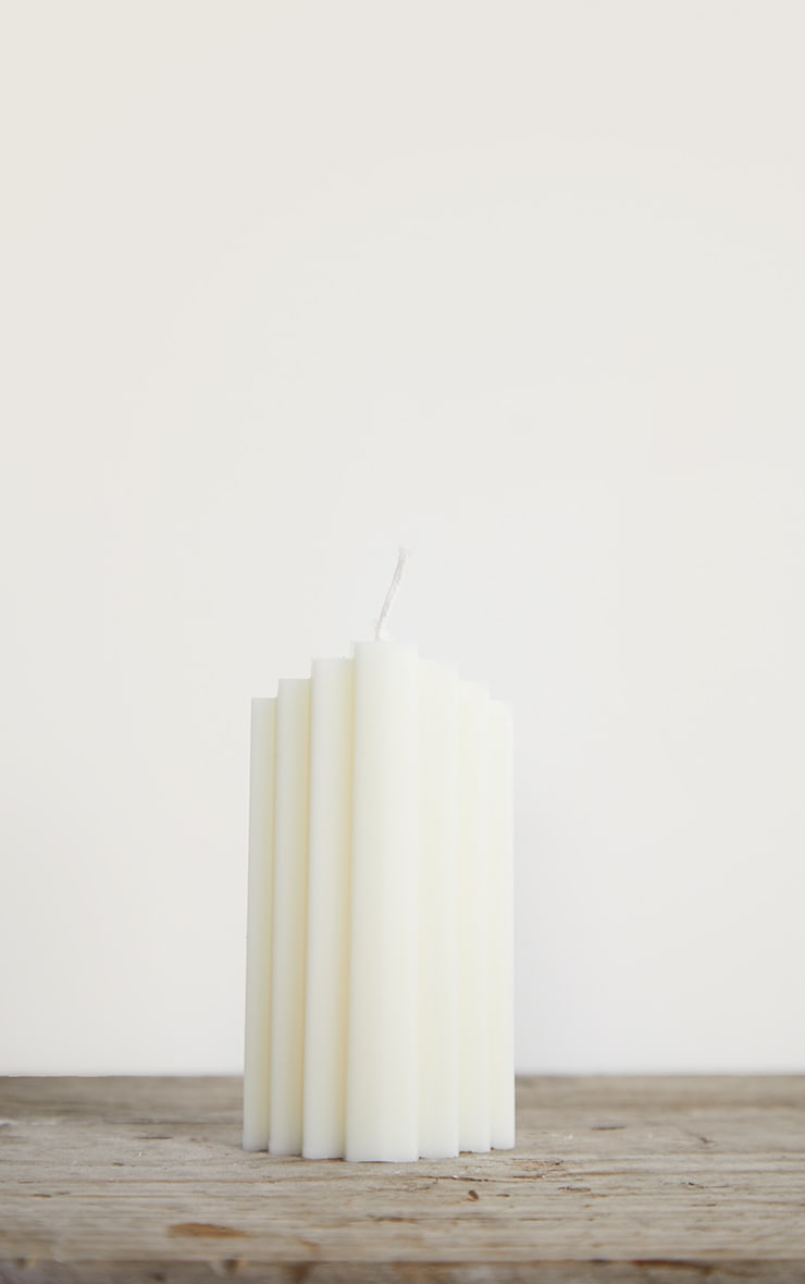 White Art Deco Scented Soy Wax Candle 11cm 3