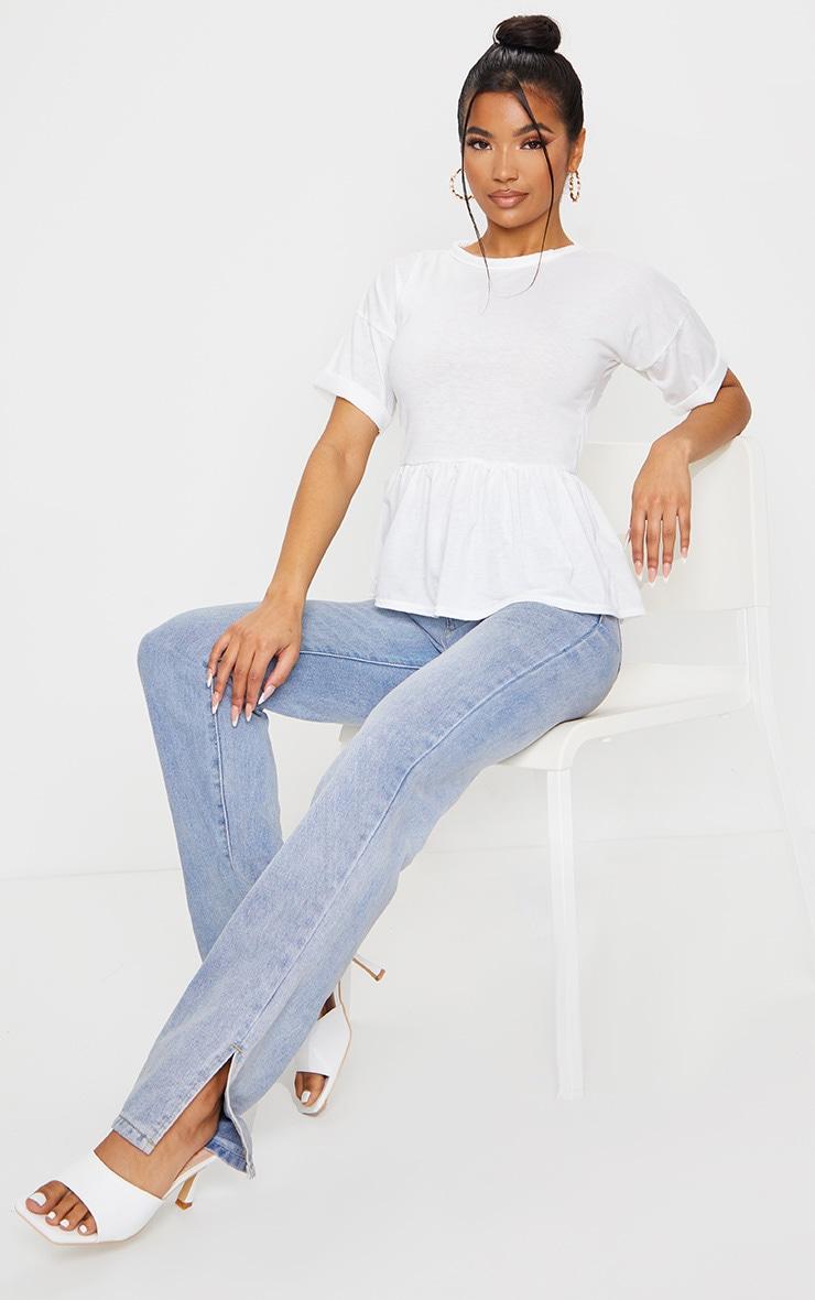تي شيرت أبيض بحاشية مكشكشة 3