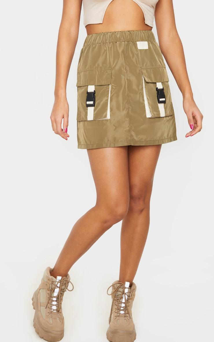 Jupe droite kaki effet survêt à détail contrasté et poches 2