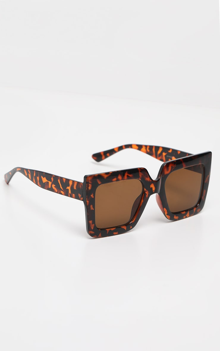 Tortoise Shell Oversized Chunky Square Sunglasses 1