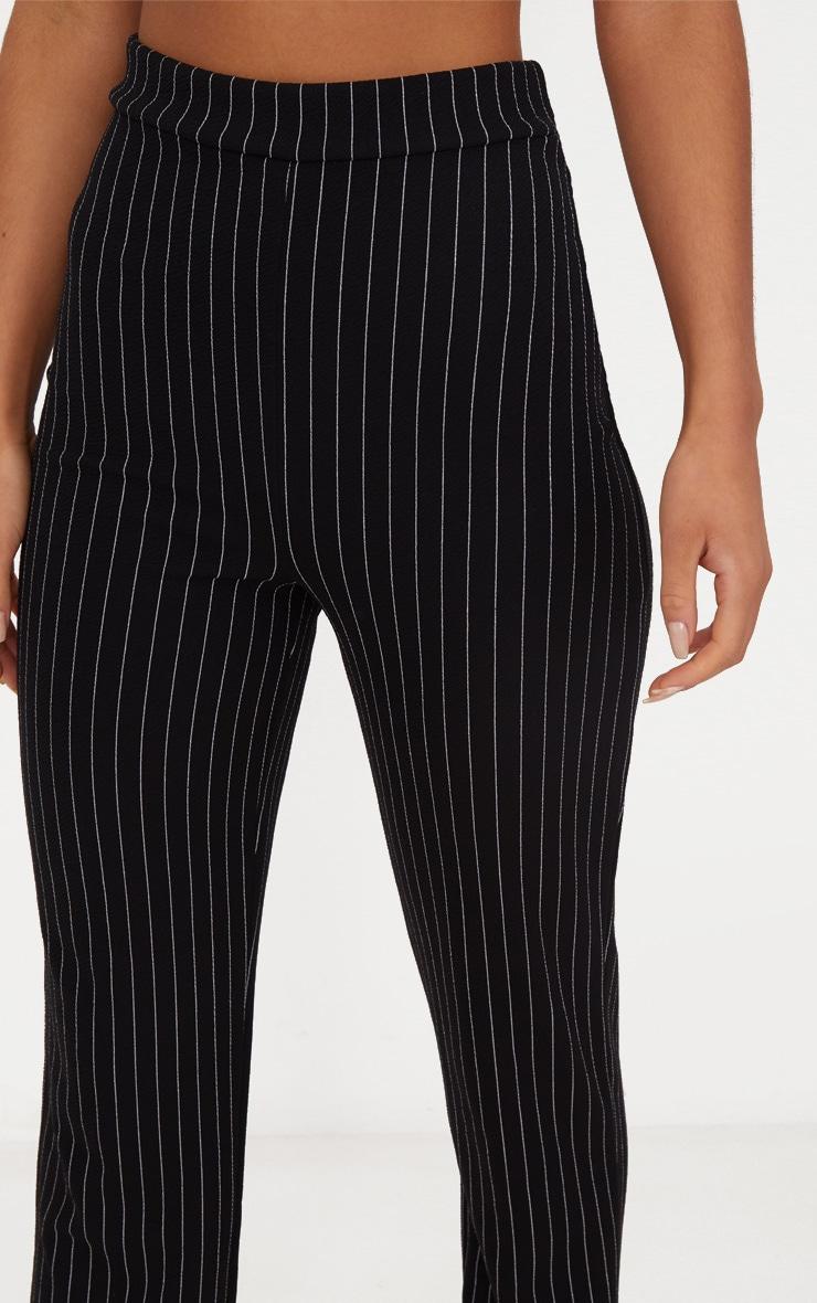 Pantalon noir coupe droite à rayures fines 5