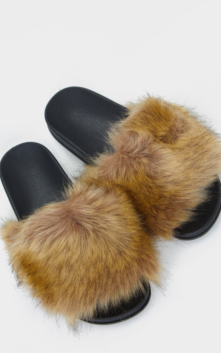 Brown Faux Fur Strap Sliders 3