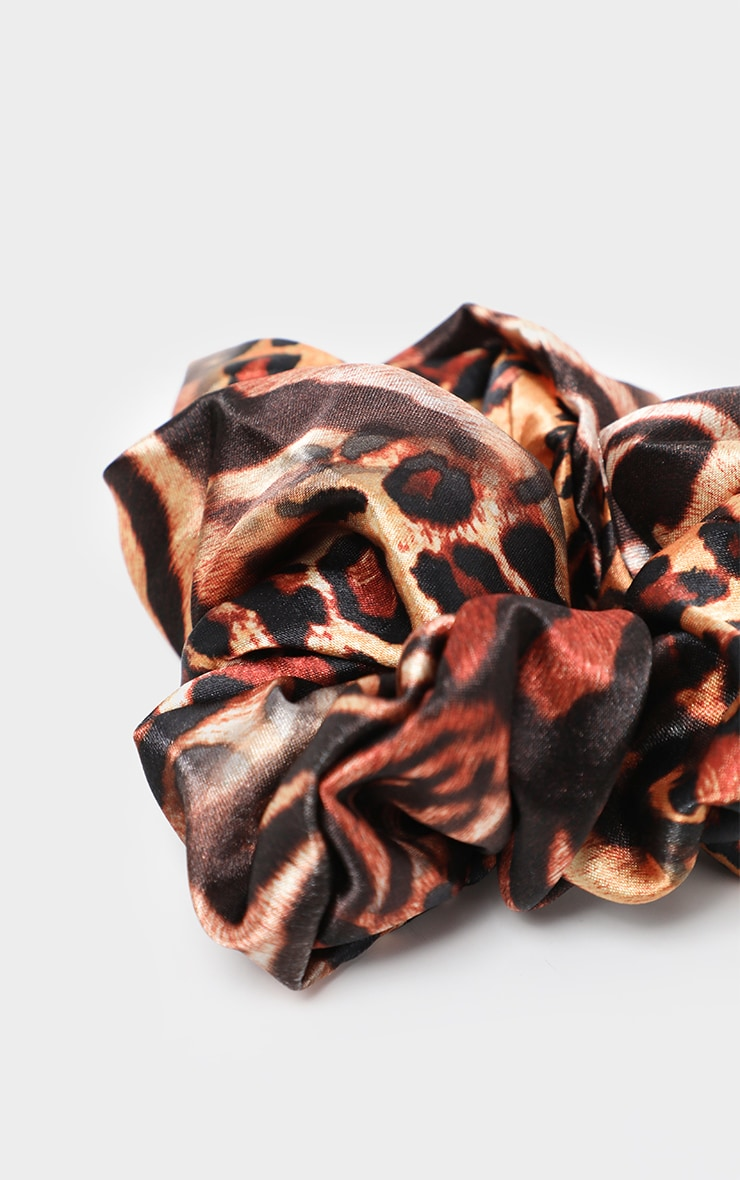 Brown Tiger Print Scrunchie 3