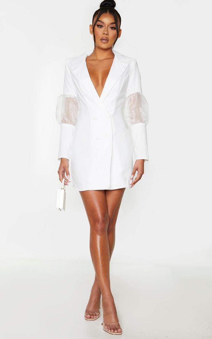 Robe blazer blanche à détail en organza bouffant 1