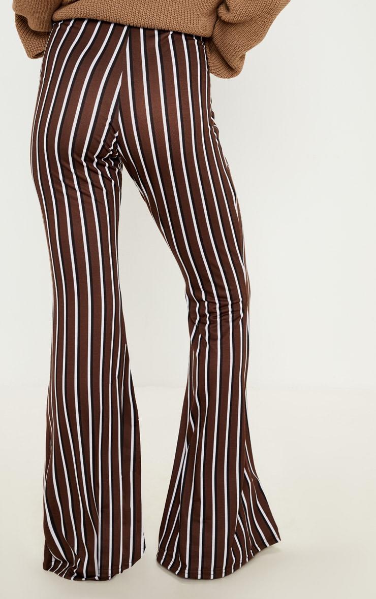 Pantalon flare en jersey chocolat à rayures verticales 4