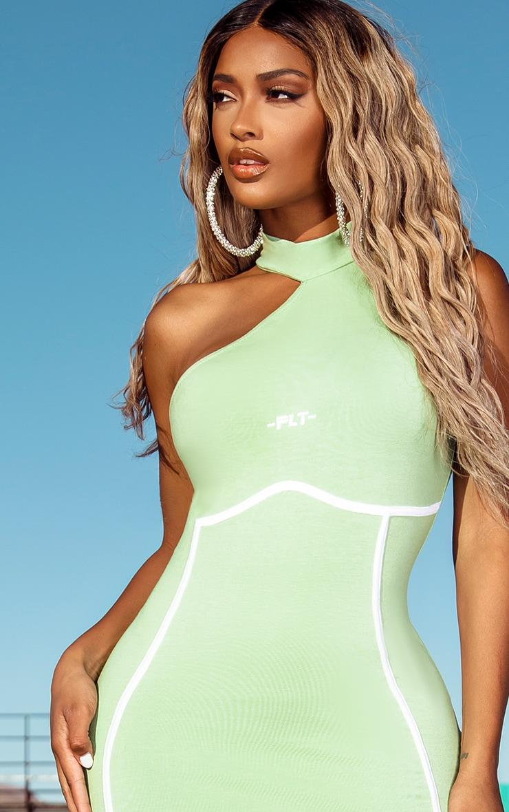 PRETTYLITTLETHING Shape - Robe mi-longue verte à col montant et détail coutures 4